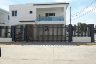 Venta casa moderna Gurabo